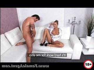 Порно изменяет мужу с наглым инспектором