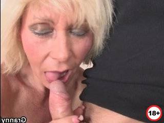 Смотреть бесплатно порно онлайн измена зрелых женщин с молодым парнем
