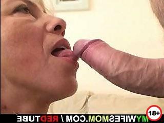 Лысый мужик трахнул мою жену блондинку измена порно