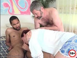 Рыжая дама изменила мужу с негром порно