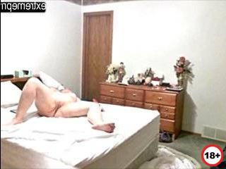 Скрити камера снимает мама измены
