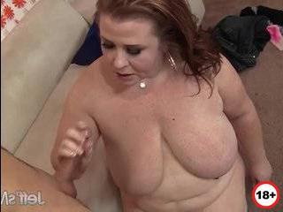 Смотреть порнофильмы про зрелых дам изменяющих с молодыми бесплатно