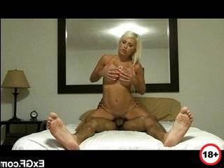 Порно измена блондинка