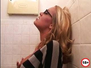 Nicole aniston bio изменила смотреть порно
